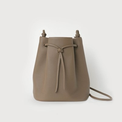 Knot Bucket Bag / Mud beige