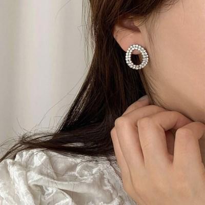 [귀찌가능] 라운드 크리스탈 본식웨딩 신부 귀안뚫은 귀걸이
