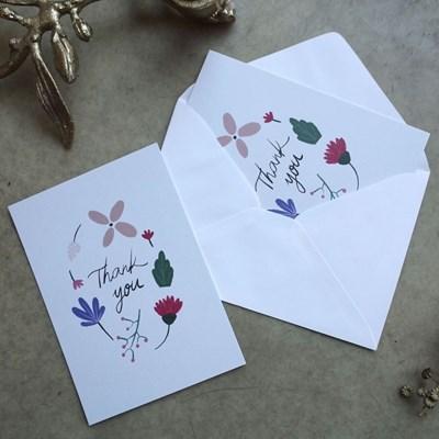 꽃과 풀이 흩날리는 보태니컬 땡큐 일러스트 감사 카드 2p SET