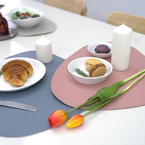 논슬립 인조가죽 테이블 식탁 매트 2개
