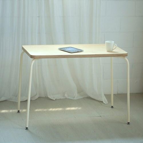 U1206 자작나무 튜브 프레임 입식 테이블