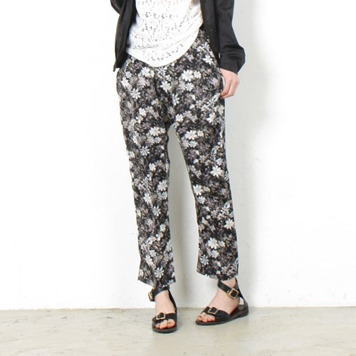 pattern loose pants