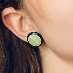 black border earrings (GREEN CIRCLE)